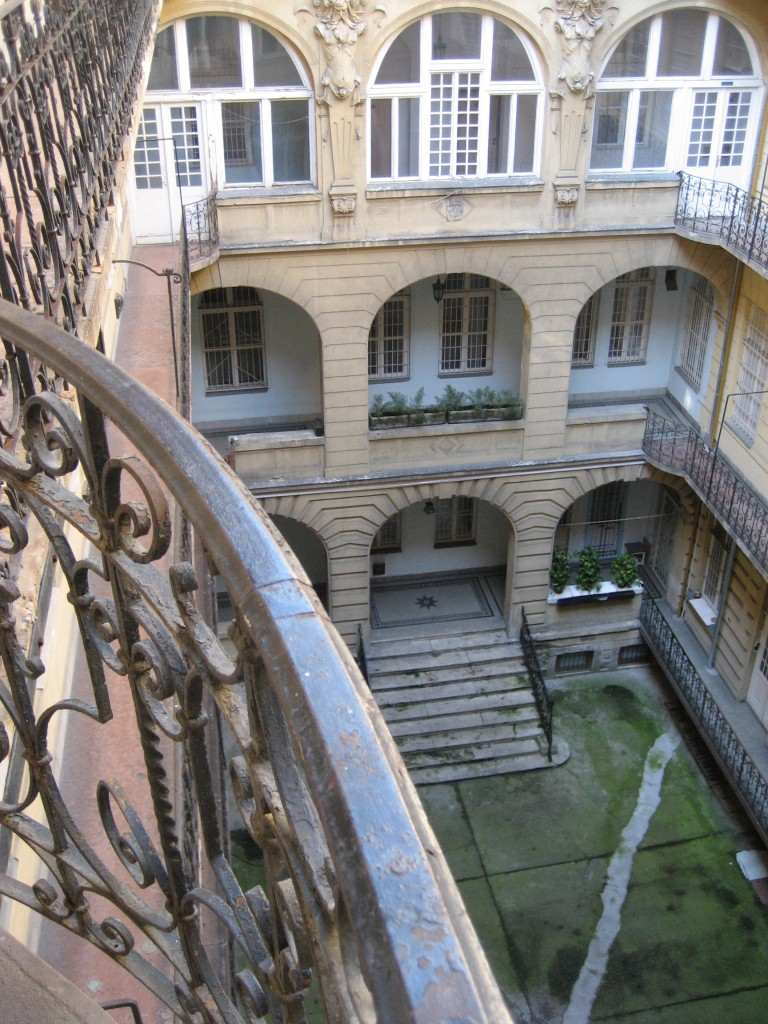 the building in which my and Mark's hostel was situated- these courtyards are very typical in Hungarian buildings